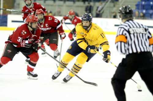 Bongiovanni's hat trick propels Quinnipiac men's ice hockey to win over St. Lawrence