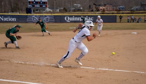 Quinnipiac softball sweeps Manhattan to open MAAC play