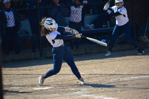 Quinnipiac+softball+stays+undefeated+in+MAAC+with+sweep+of+Saint+Peter%27s