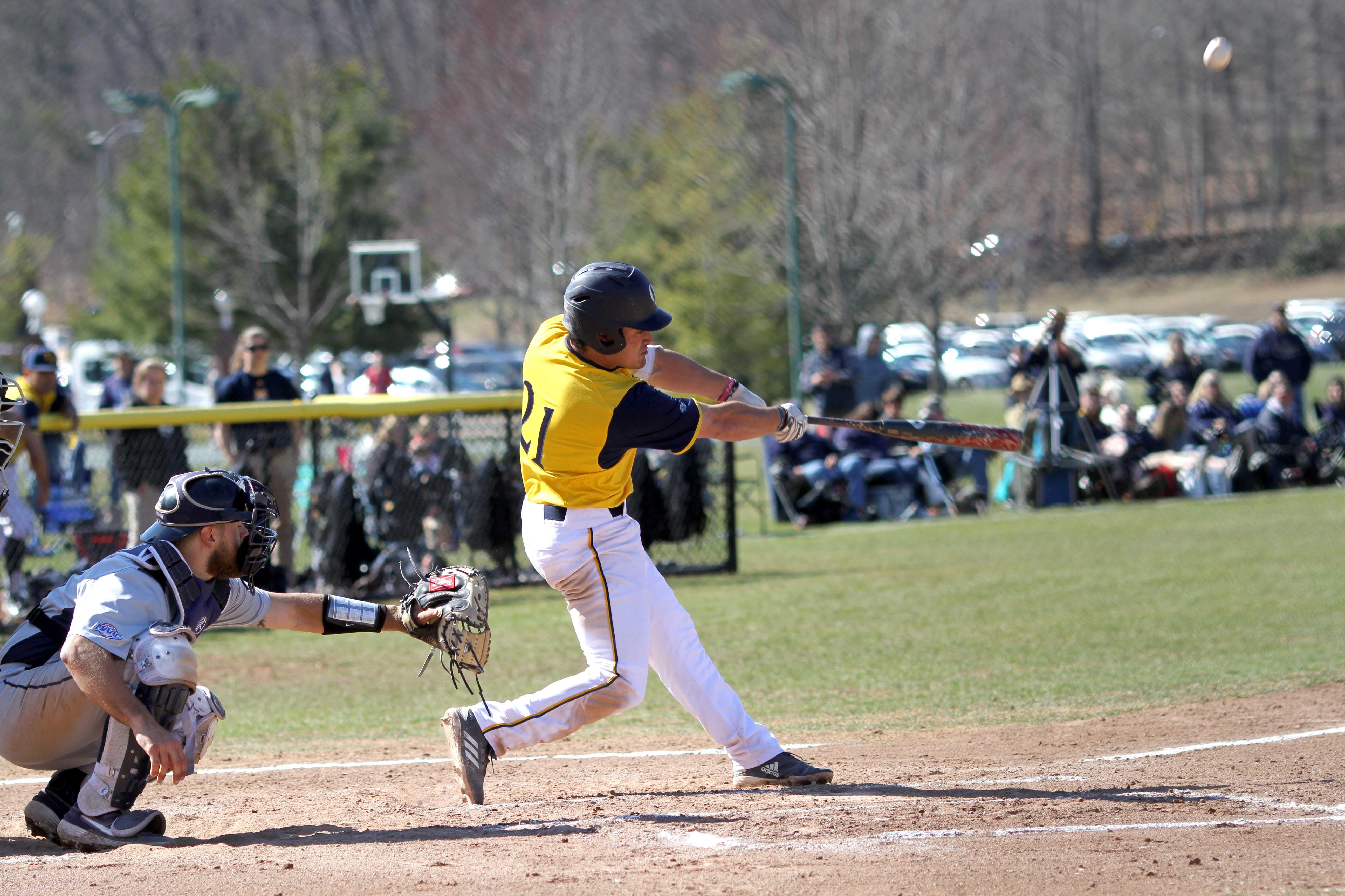 Quinnipiac baseball drops both games on Saturday against Canisius