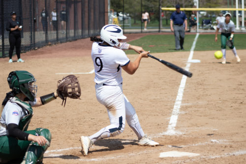 Quinnipiac+softball+swept+in+Sunday+doubleheader+against+Siena