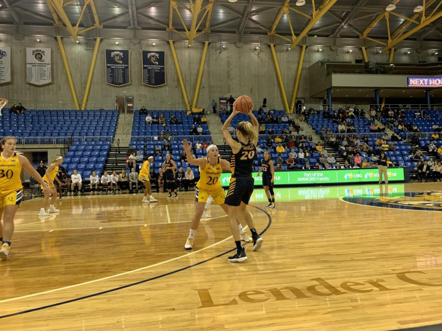 Senior forward Paige Warfel plays on-ball defense as Drexel sets up its offense.