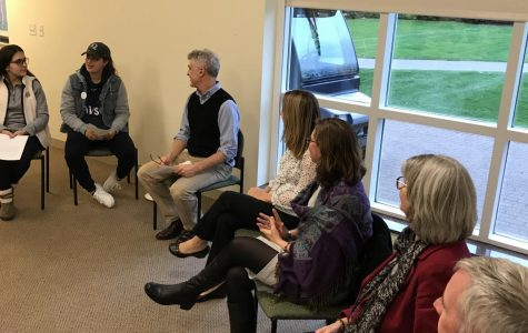 SGA, faculty talk FYS and teaching style in open panel