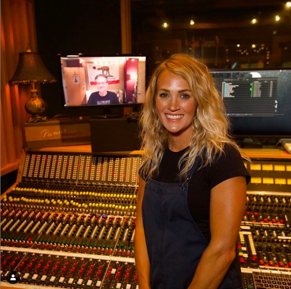 Carrie Underwood adds a Christmas Album,
