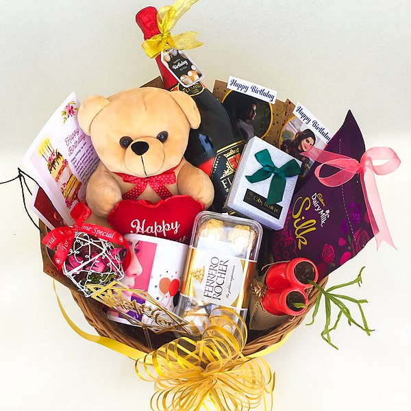 600px-Gifts_Boutique