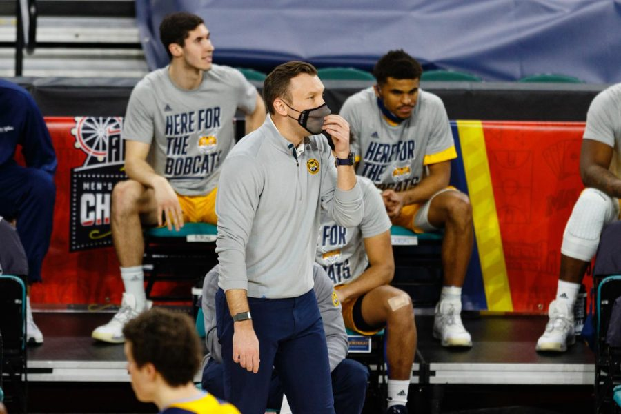 Quinnipiac men's basketball fell out of the MAAC tournament at the hands of Iona Tuesday.