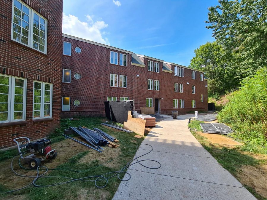 Chief Experience Officer Tom Elletts apartment locates in a first-year-student residence hall, Commons.