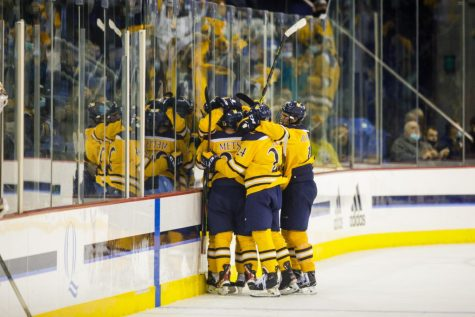 No. 7 mens ice hockey team thrills first home crowd in 601 days with 5-2 win over No. 6 North Dakota